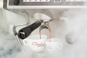 Kaffeezubereiter und Kaffeemaschinen